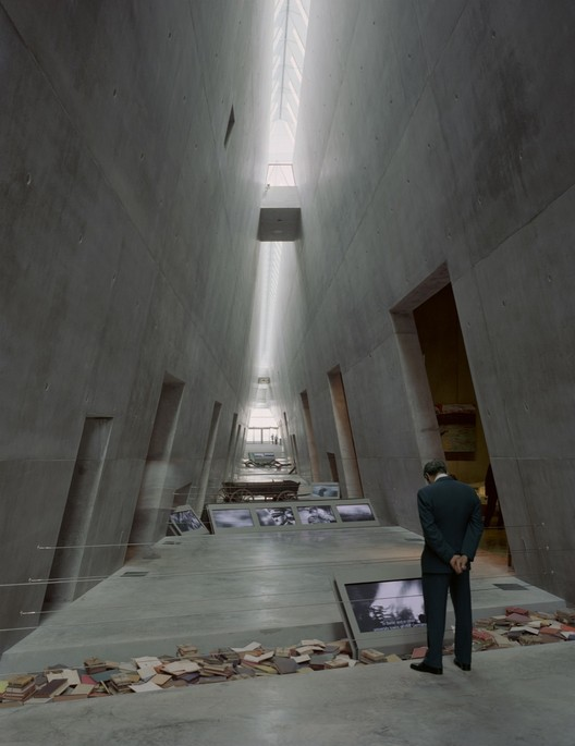 Flashback: Yad Vashem Holocaust Museum / Safdie Architects, © Timothy Hursley
