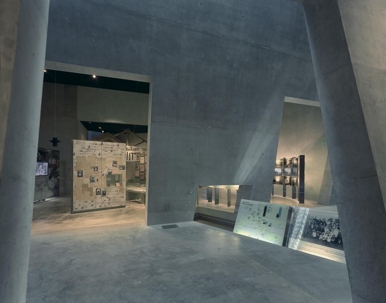 Gallery Of Flashback Yad Vashem Holocaust Museum Safdie