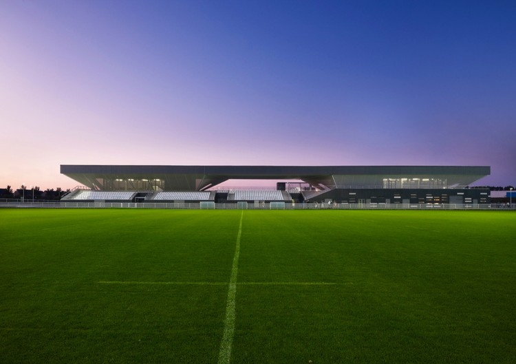 Stadium du Littoral / Olgga Architects, © Julien Lanoo