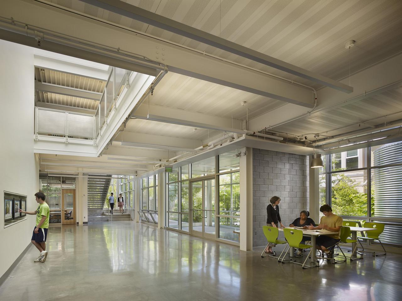 Modern School Library Design