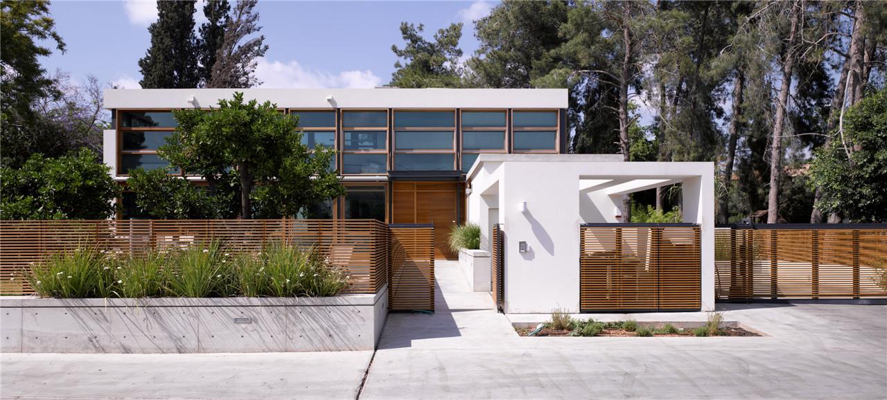 F house / Alroy Hazak architects, © Amit Giron