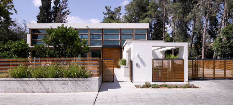F house / Alroy Hazak architects, © Amit Giron