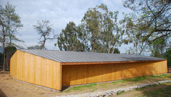 Horse Stable / duval+vives arquitectos