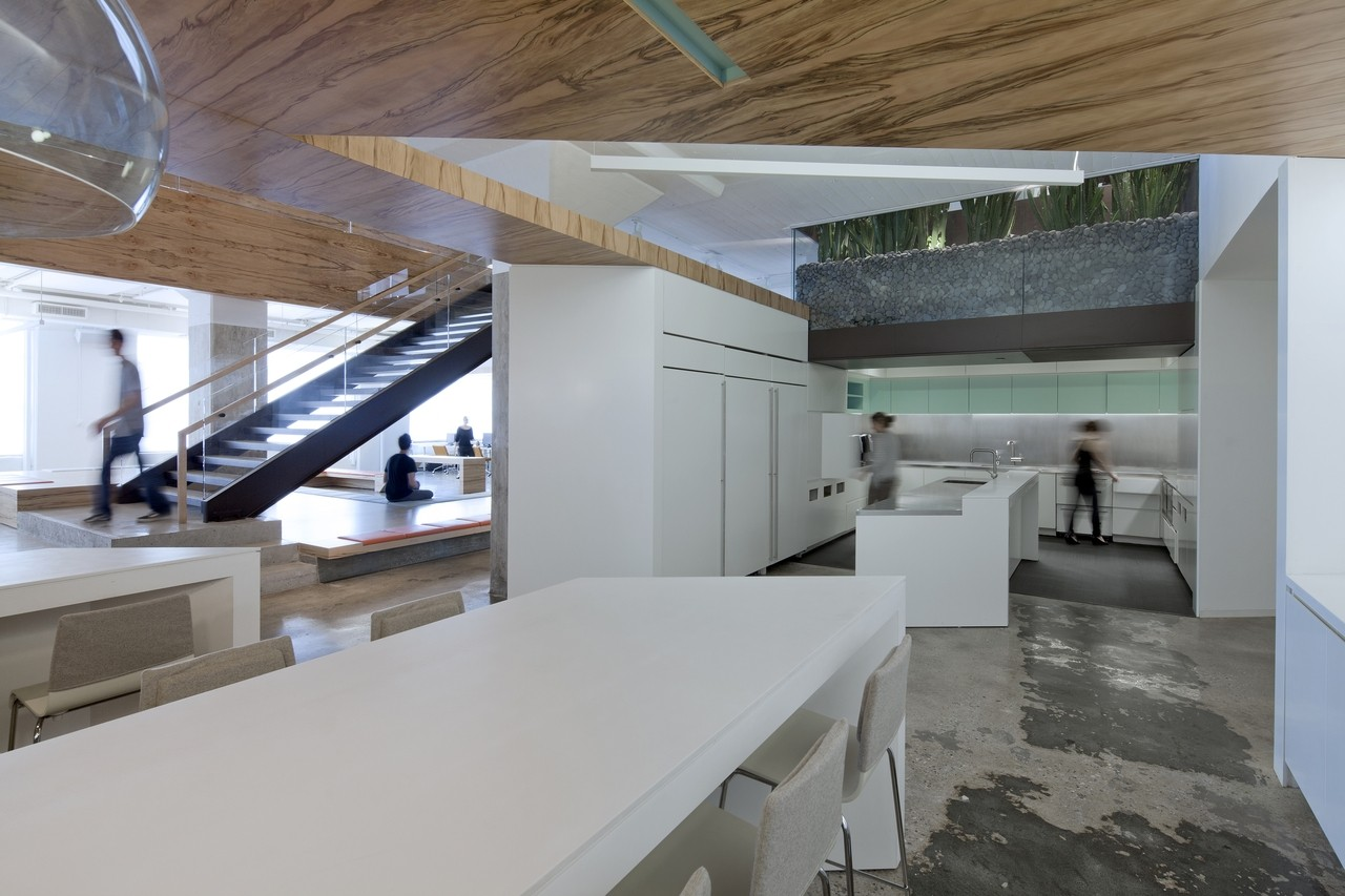 Gallery of Horizon Media Office / a + i architecture - 10