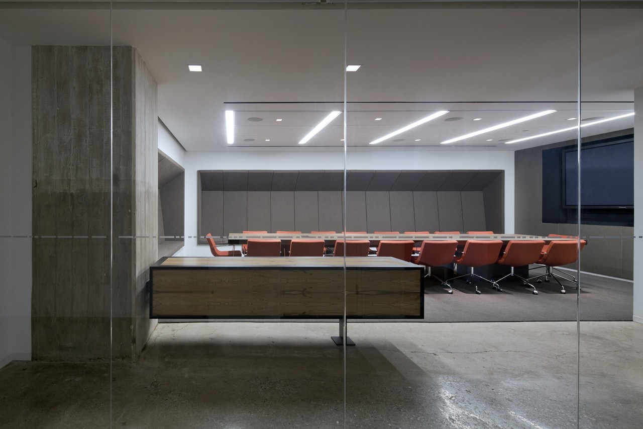 Gallery of horizon media office a i architecture 7 for Modern conference room interior designs