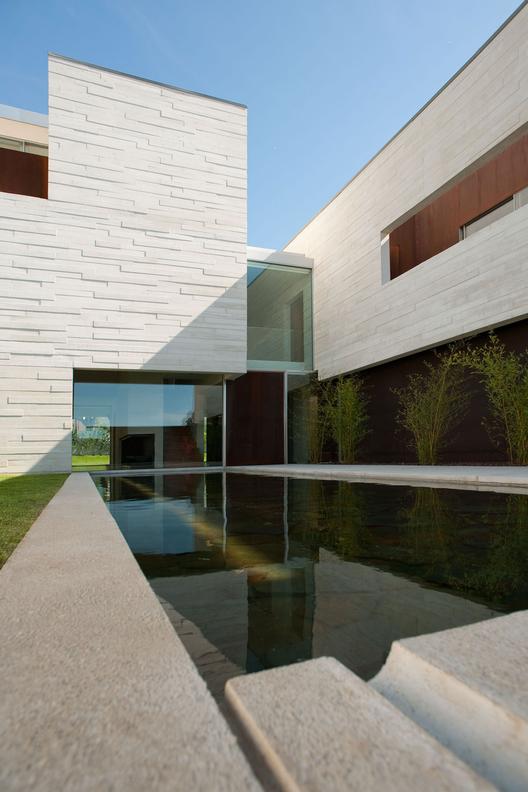 House in aldoar topos atelier de arquitectura archdaily - Atelier arquitectura ...