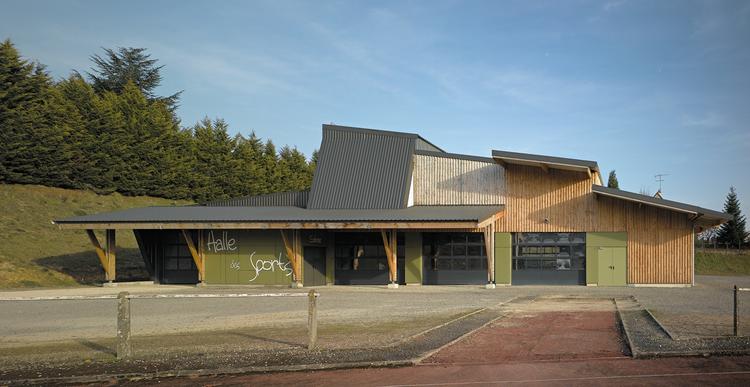 Halle des Sports / atelier alassoeur architecture, © Brice Desrez