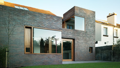 Brick Thickness / A2 Architects