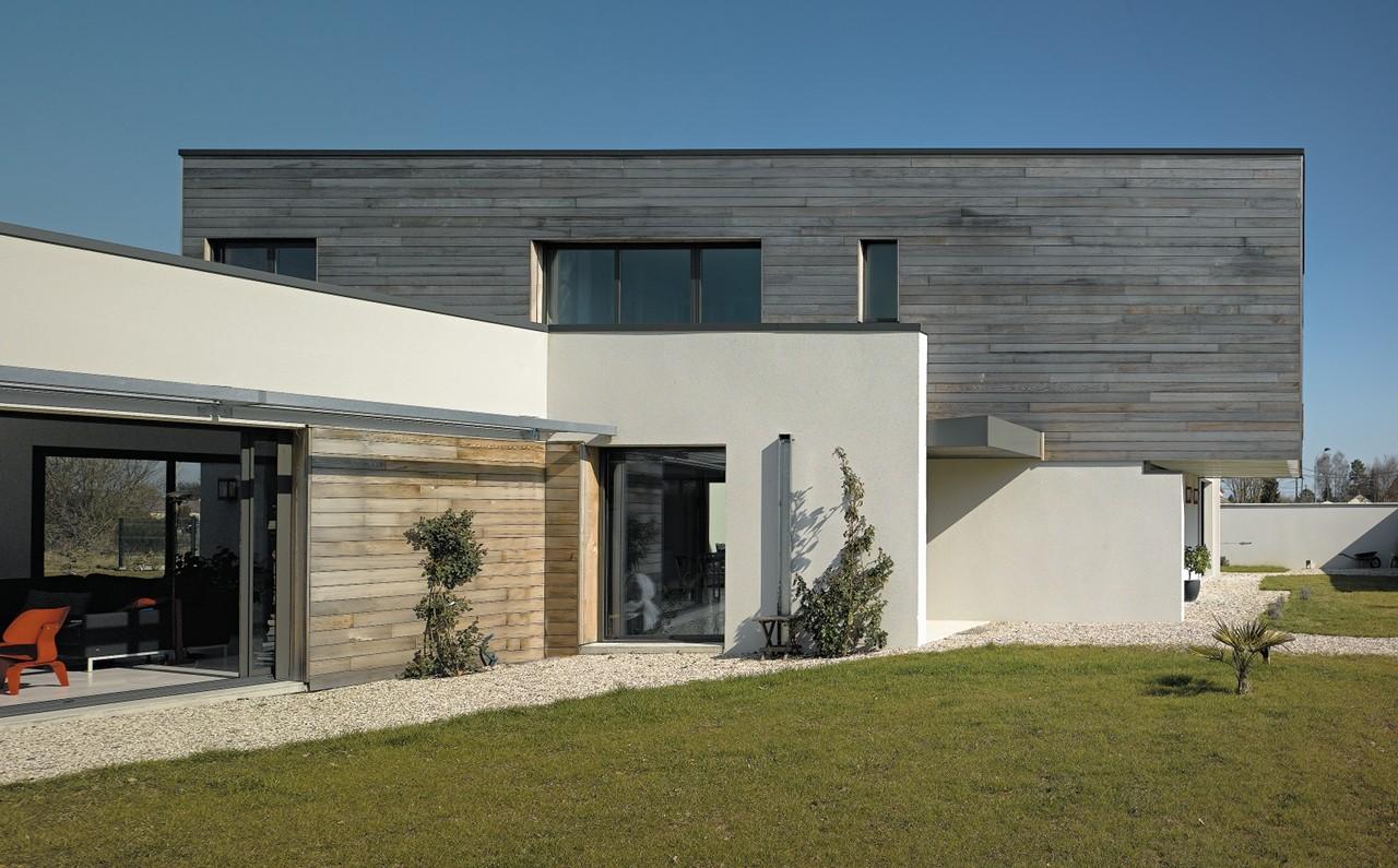 Gallery of maison p c atelier alassoeur architecture 22 for Architecture petite maison moderne