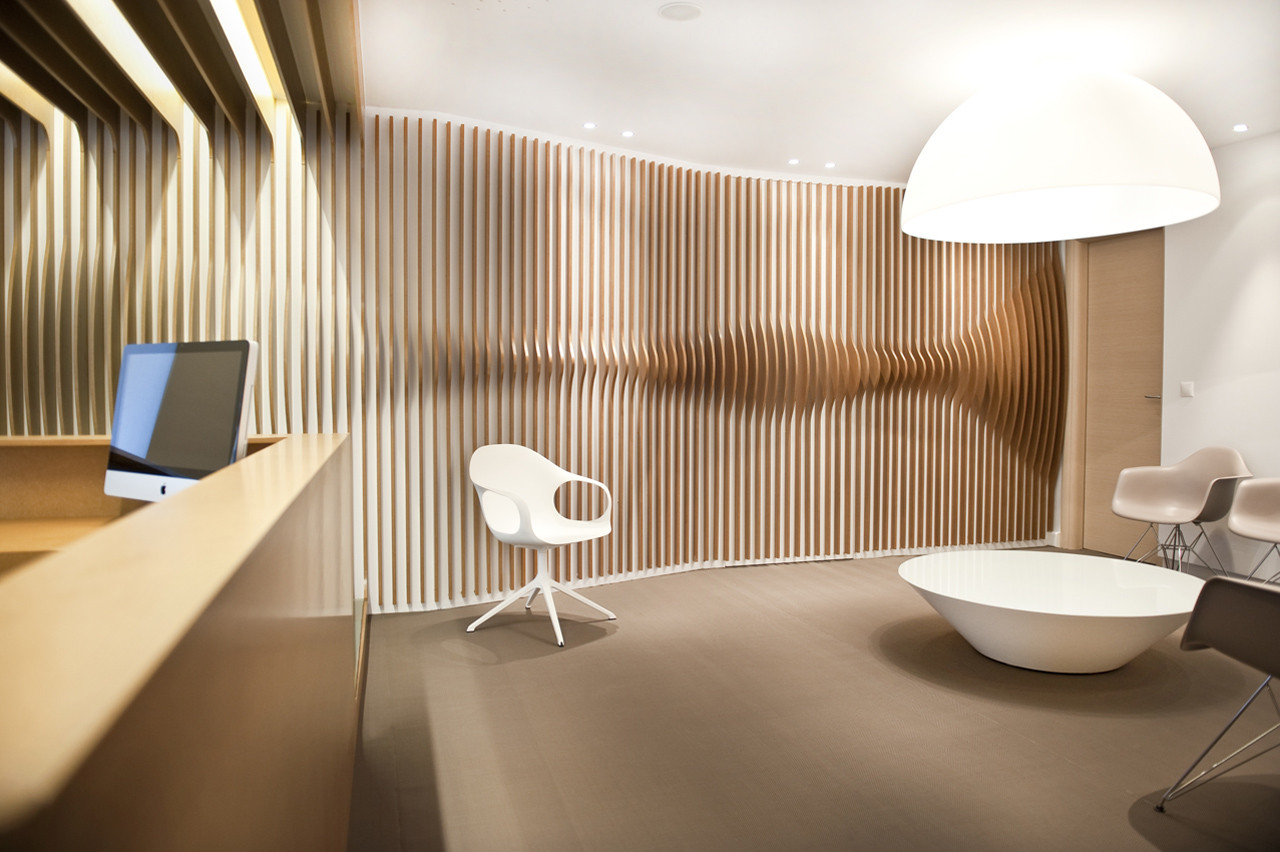 Orl clinic mal vi architects archdaily for Clinic interior design