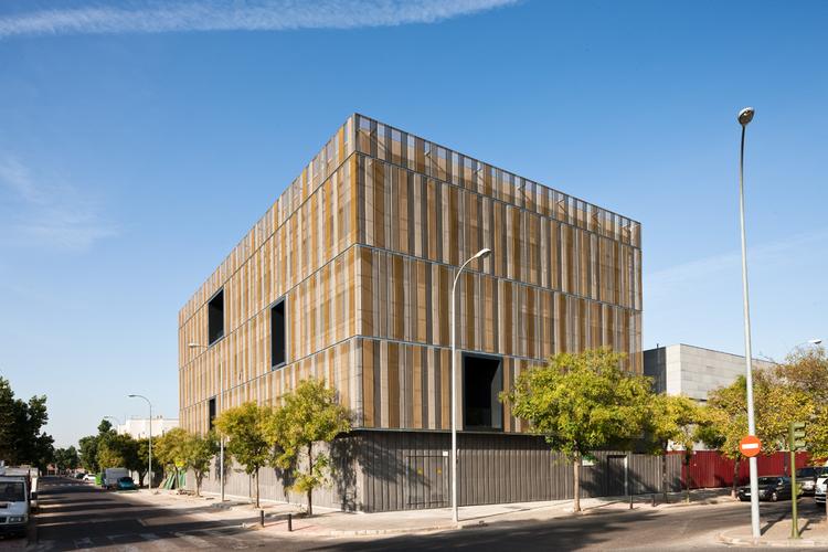 Social Building / Donaire Arquitectos, © Fernando Alda