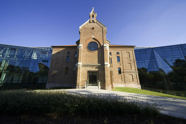 Akademia Park Officium / Vikar&Lukacs Architects Studio, © Tamás Bujnovszky