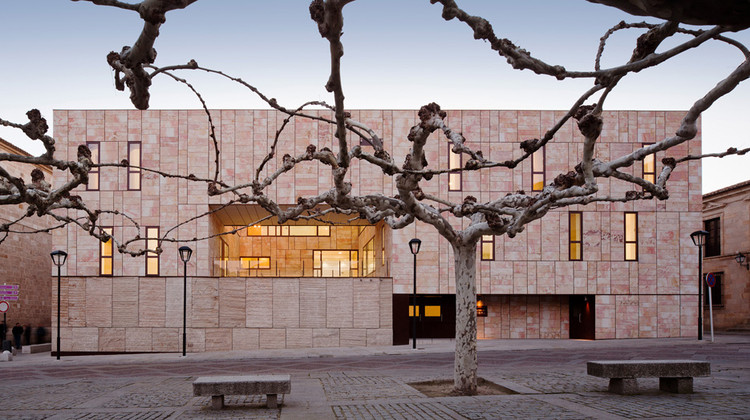 Offices for County Council in Zamora / G+F Arquitectos, © Miguel  de Guzmán