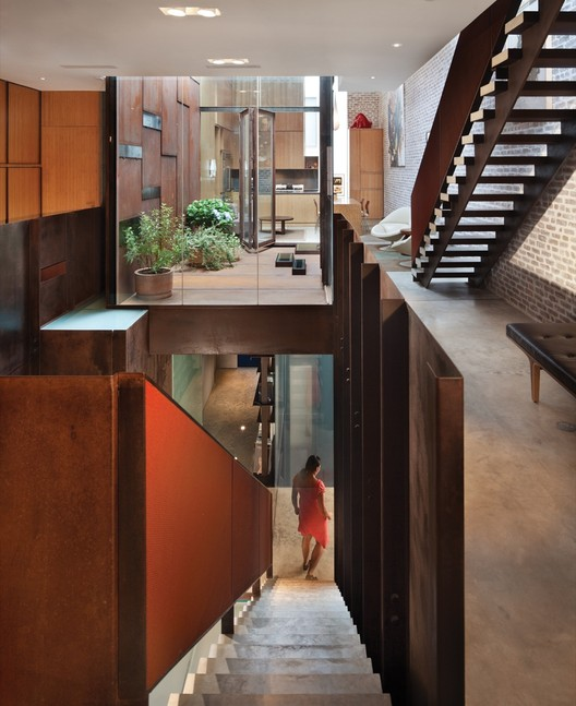 Inverted Warehouse-Townhouse / Dean-Wolf Architects, © Paul Warchol