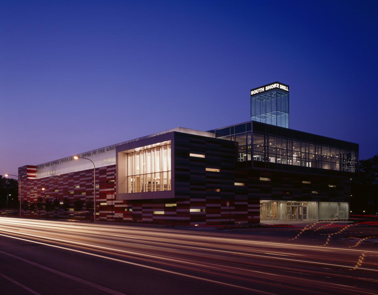 Architect: The Gary Comer Youth Center / John Ronan Architects