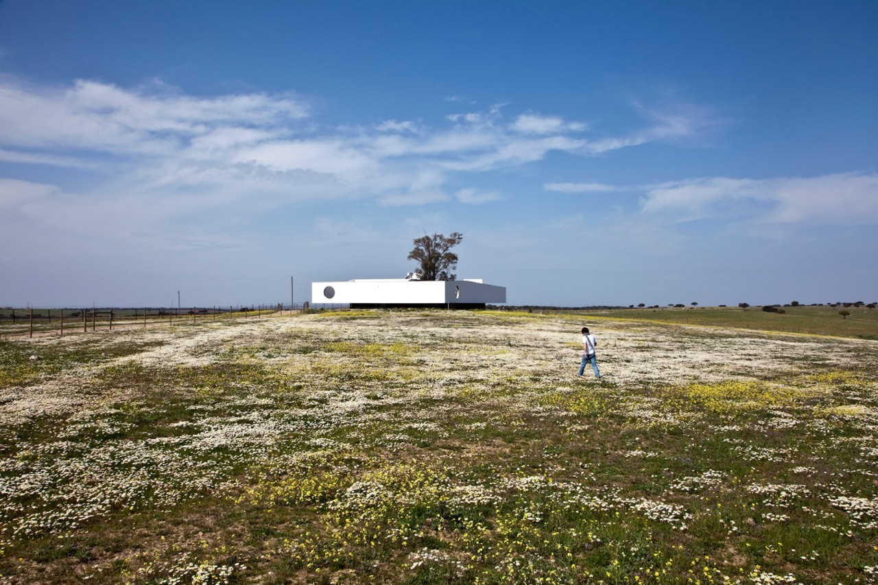 Garducho Biological Center / Ventura Trindade Architects