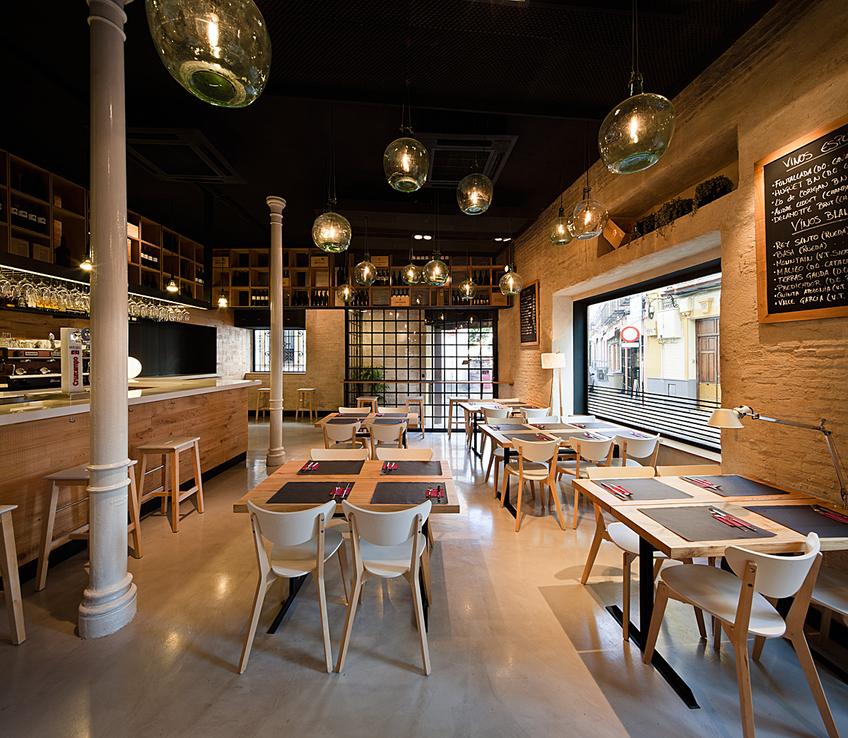 Restaurant Kitchen Interior Design: Restaurant PaCatar / Donaire Arquitectos