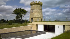 The Round Tower / De Matos Ryan