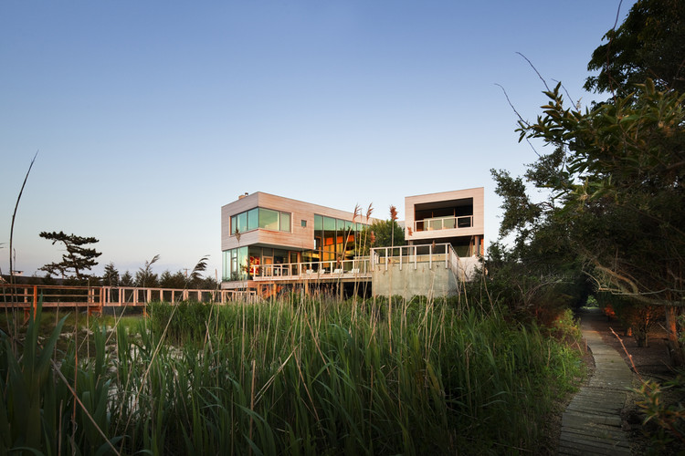 Bay House / LSS, © Scott Frances
