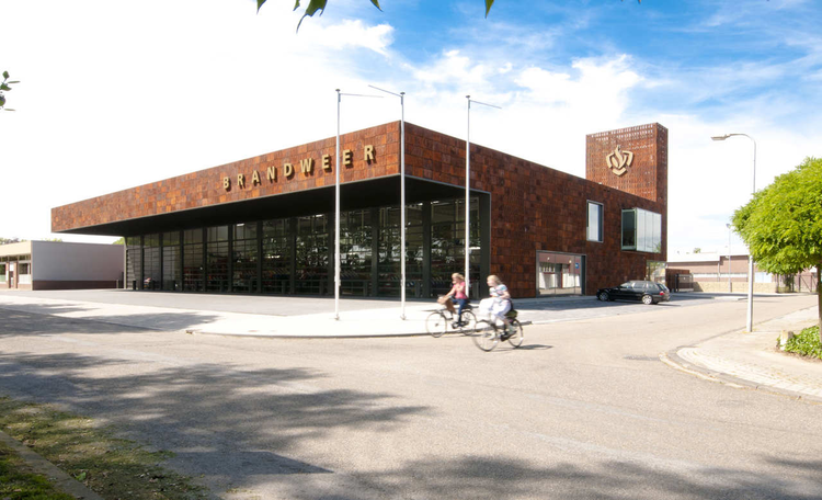 Fire Station In Weert / BDG Architecten Ingenieurs Zwolle, © Alex Mulder