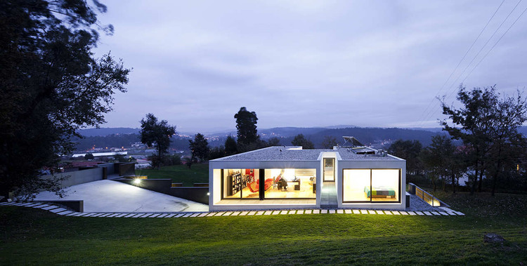 Private House In Barcelos / Rui Grazina, © Nelson Garrido