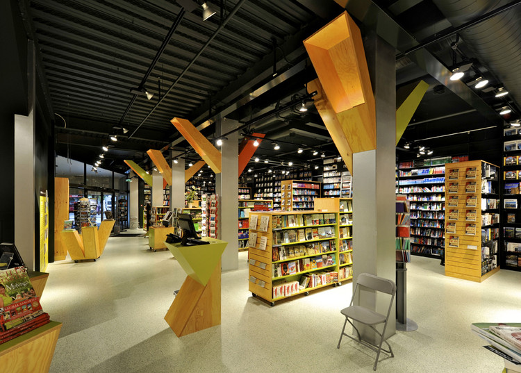 Tanum Karl Johan Bookstore / JVA, Courtesy of JVA