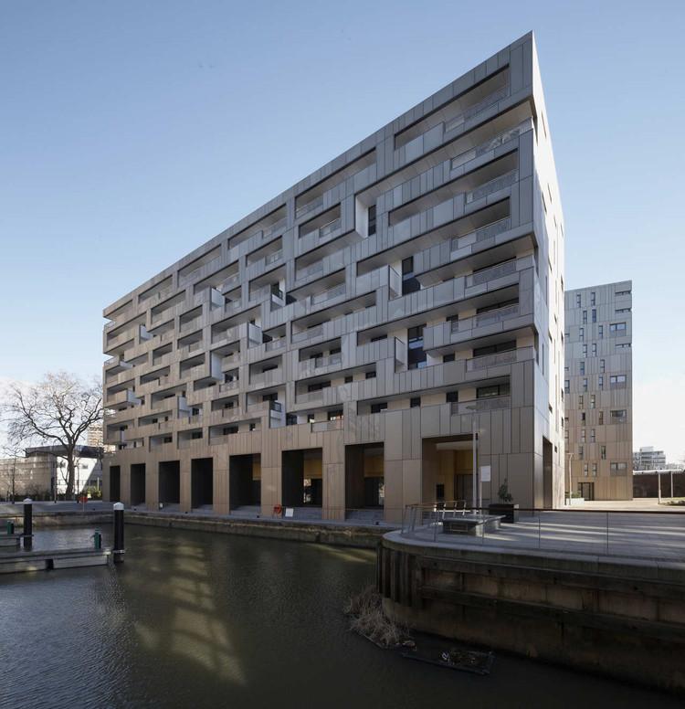 Grosvenor Waterside / Make Architects, © Zander Olsen