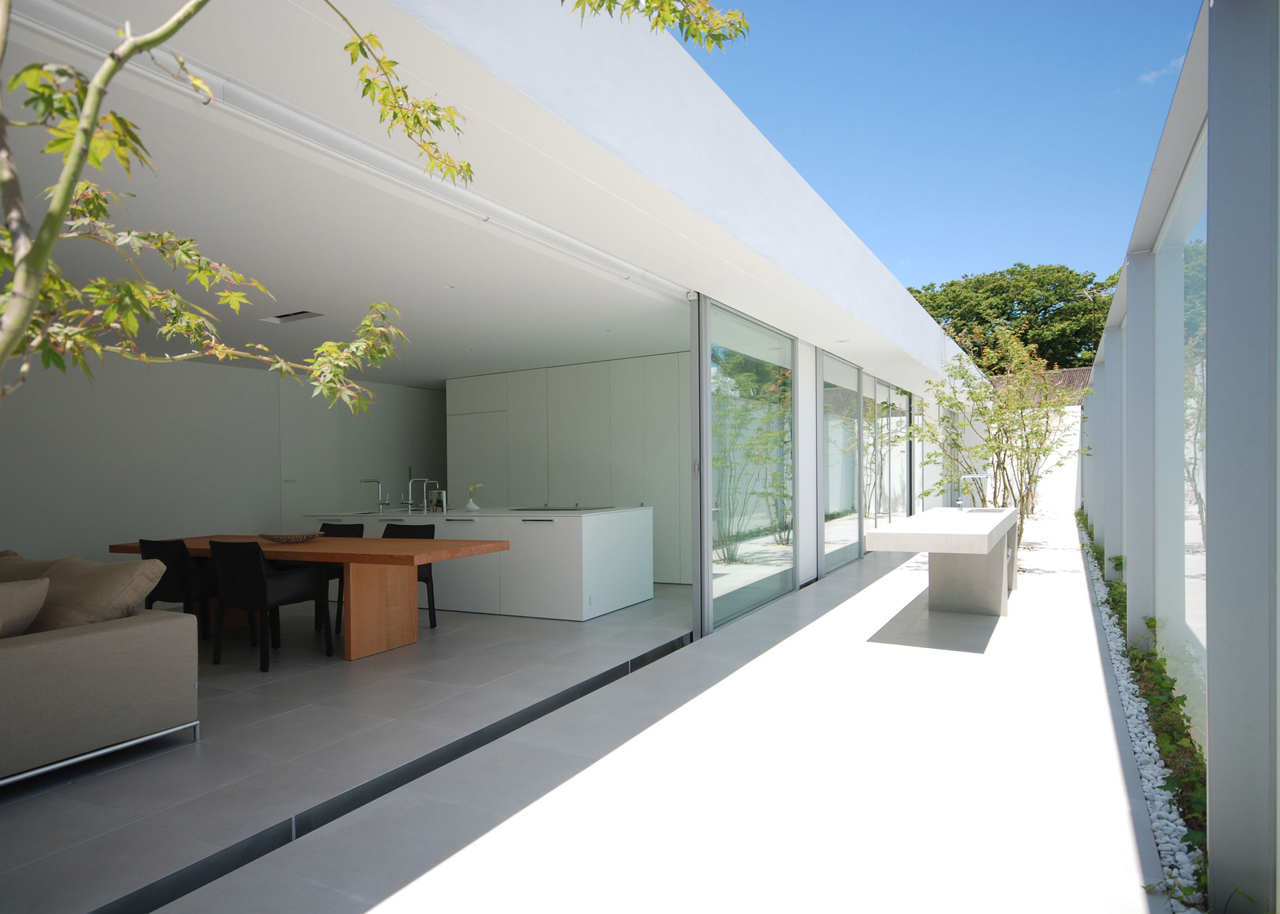 Gallery of horizon roof house shinichi ogawa for Casas con jardin interior