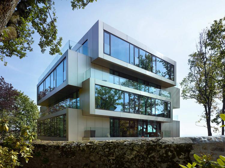 Residential Building L'Ermitage / Ipas Architectes + andrea pelati architecte, © Thomas Jantscher