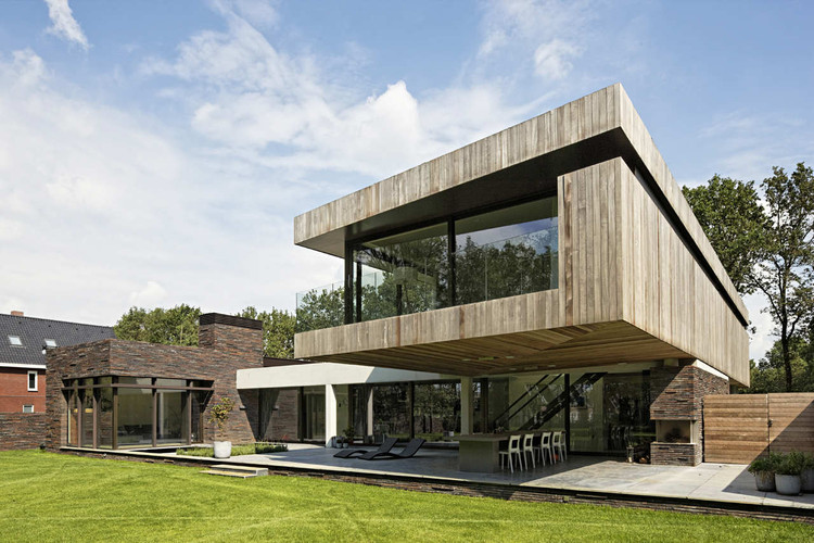House At The Edge Of A Forest / Hilberink Bosch Architects, © René de Wit