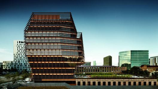 Courtesy of  batlle & roig architects