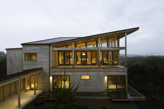 Coastal Residence / Bora Architects