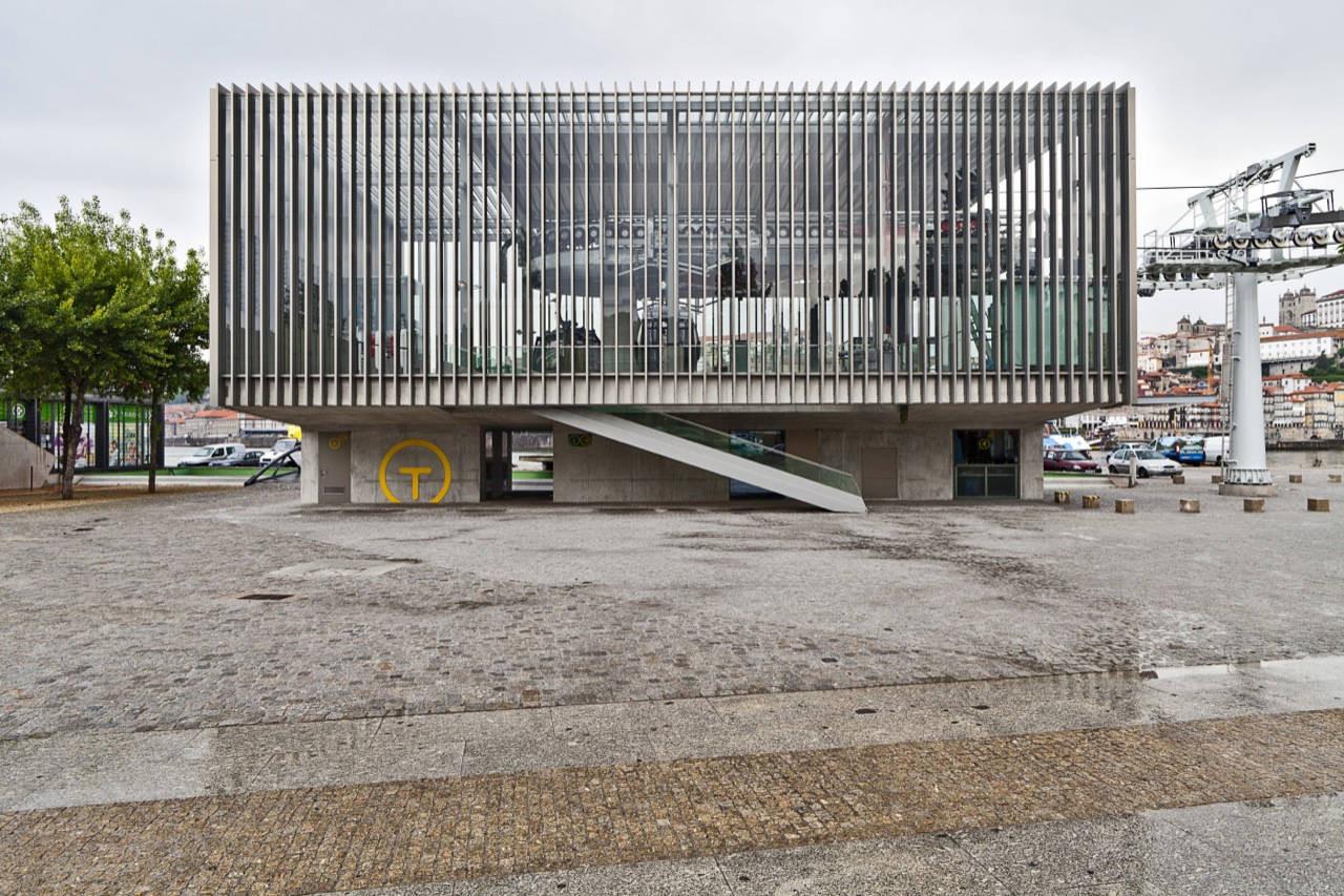 Gaia Ropeway Cablecar / Menos é Mais Arquitectos