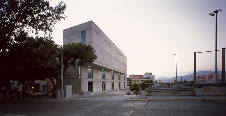 Offices and Showroom of a Fabric Company / Kalliope Kontozoglou, © Henriette Attali
