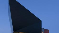 Electric Boat House in The Netherlands / Sebastiaan Jansen Architectuur