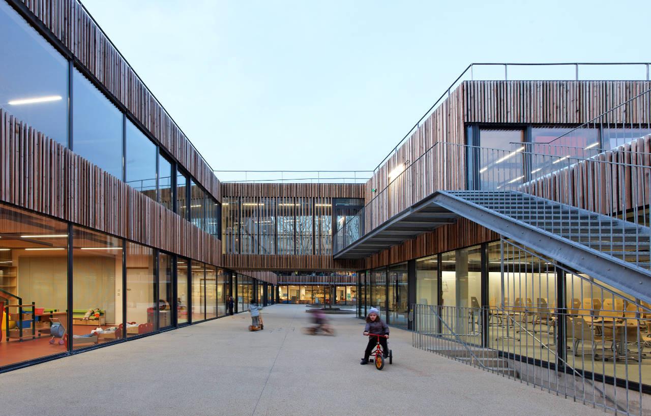 School Center Lucie Aubrac / Dietmar Feichtinger Architectes, ©  Dietmar Feichtinger Architectes