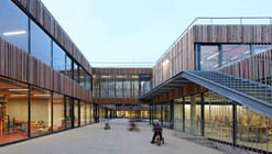School Center Lucie Aubrac / Dietmar Feichtinger Architectes