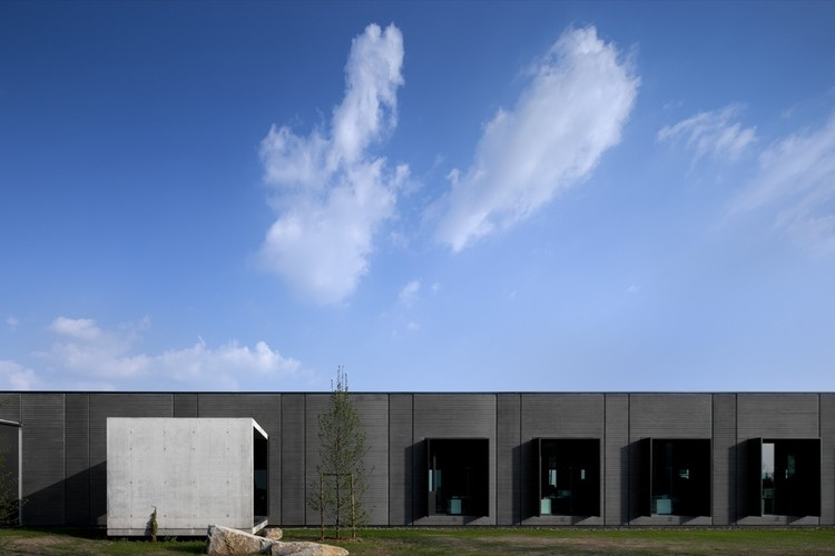 New Headquarters and Production of Pratic / GEZA, © Fernando Guerra |  FG+SG