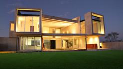 FI House / Punto Arquitectónico