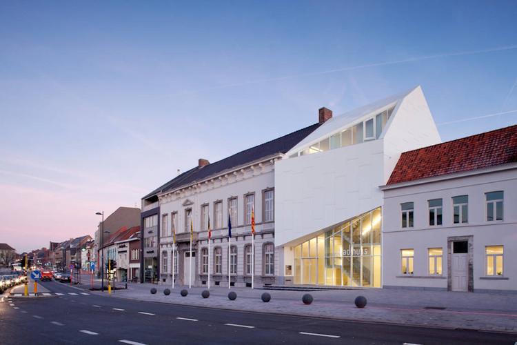 Ayuntamiento Harelbeke / Dehullu Architecten, © Tim Van de Velde