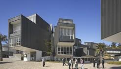 Adolfo Ibañez University / José Cruz Ovalle y Asociados