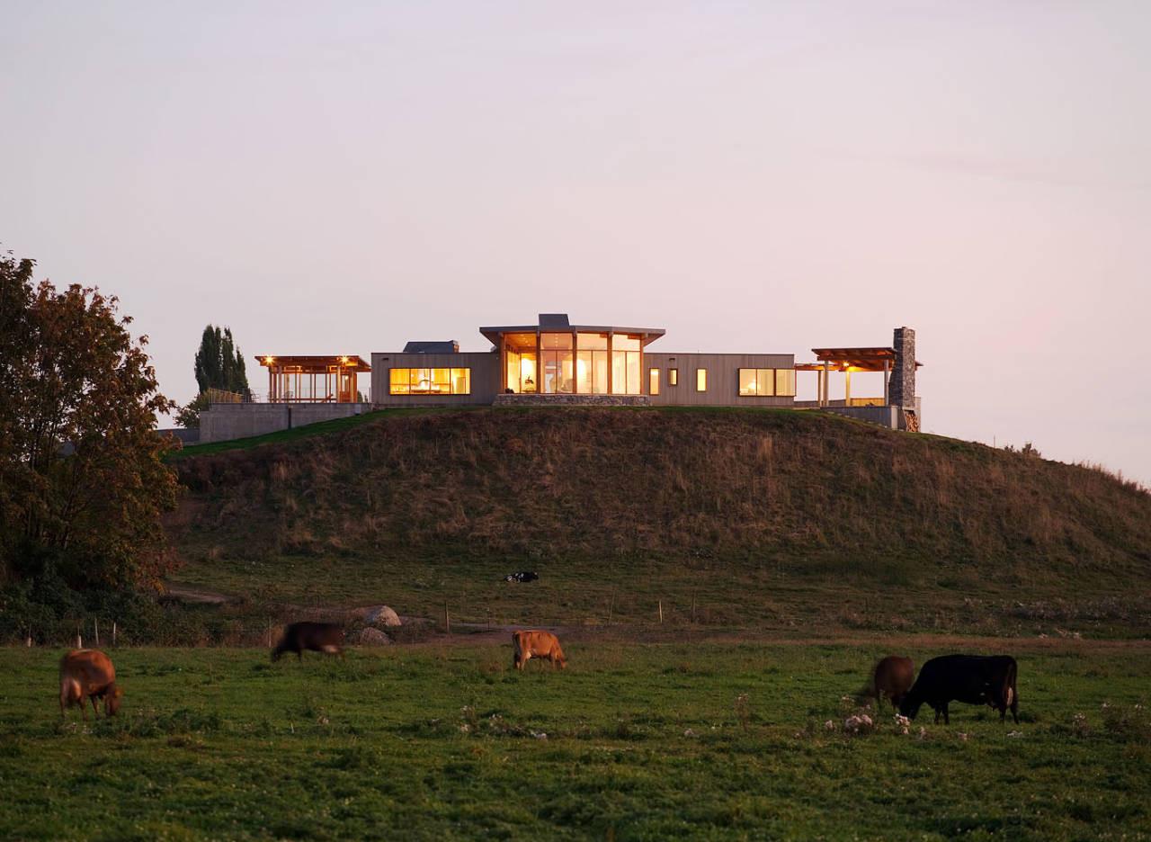 Contemporary Home on the Range / Zervas Group Architects, © Doug Scott