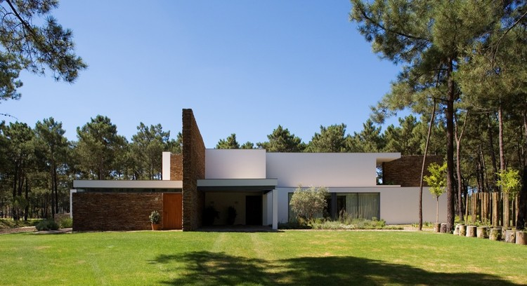 Casa Do Lago / Frederico Valsassina Arquitectos, © Fernando Guerra |  FG+SG