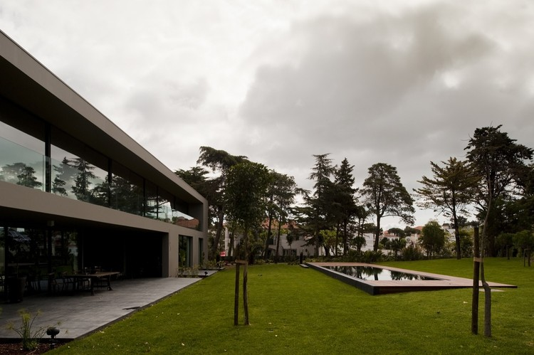 House In Estoril / Frederico Valsassina Arquitectos, © Fernando Guerra |  FG+SG