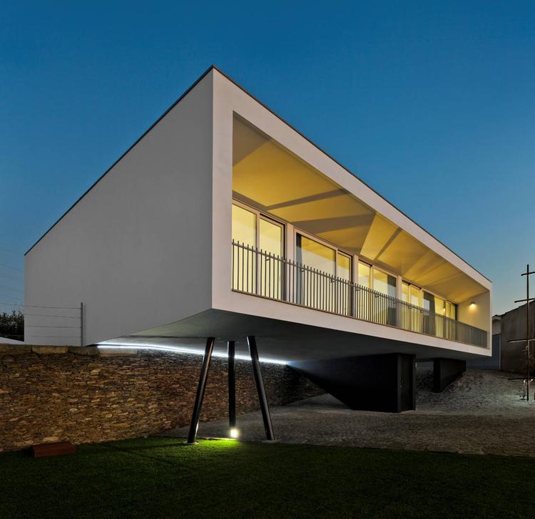 House In Sobral / Nelson Resende, © Fernando Guerra |  FG+SG