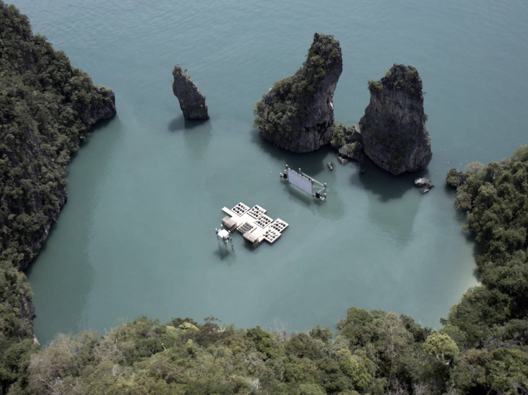 Archipelago Cinema / Buro Ole Scheeren + Film on the​ Rocks Yao Noi Foundation, © Piyatat Hemmatat