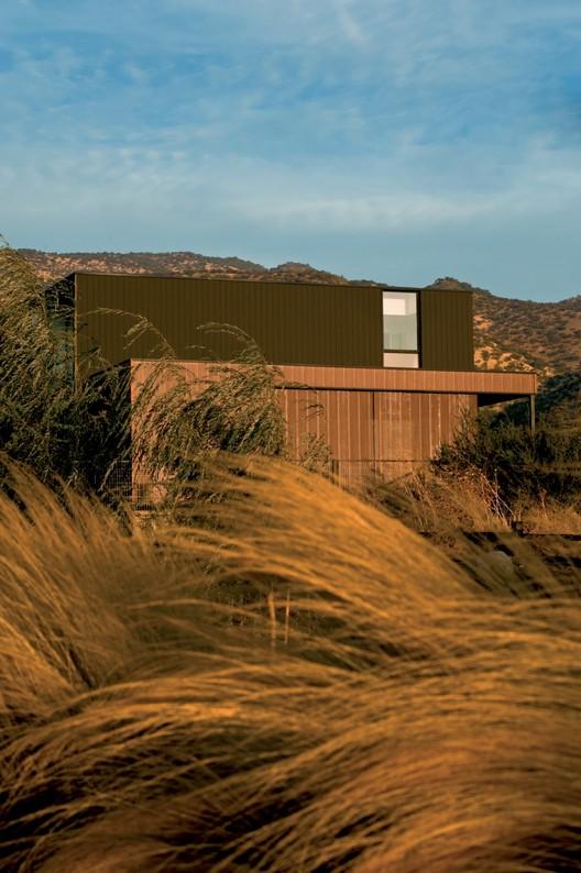 House in Piedra Roja / Riesco+Rivera arquitectos, © Sebastián Wilson León