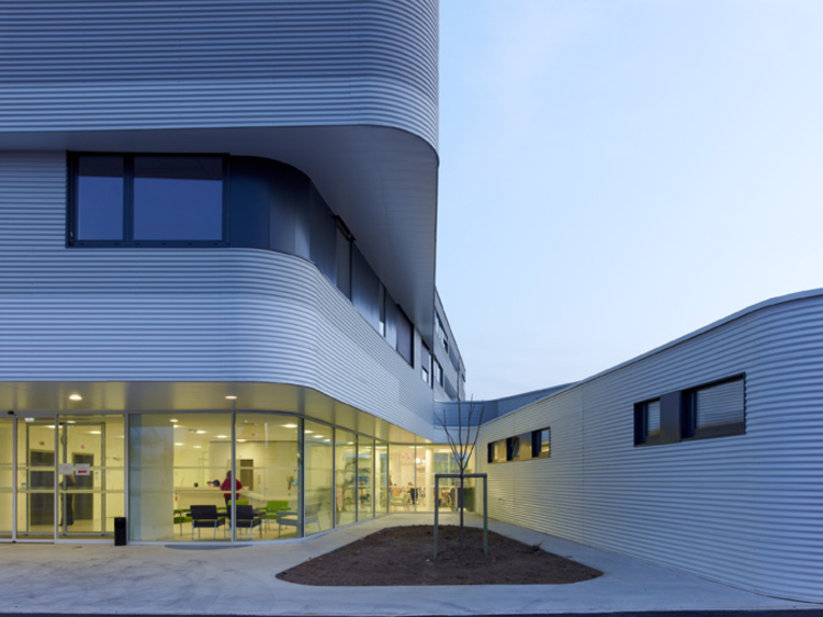 Private Clinic in Champigny / Atelier Zündel & Cristea, © Stéphane Chalmeau