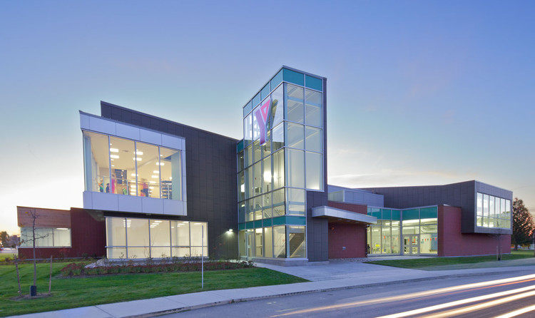 Chatham-Kent YMCA / Tillmann Ruth Robinson Architects, © Lisa Logan