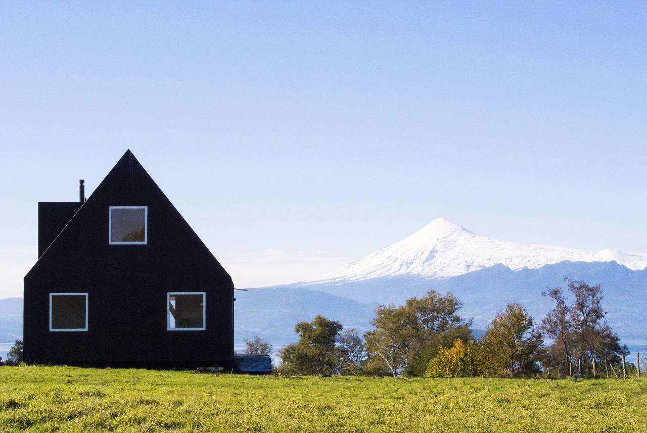 House For Sale in Calafquen / Foaa + Norte, Courtesy of Felipe Ortiz